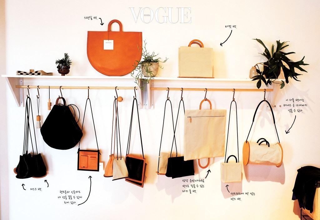 이제 막 첫 번째 컬렉션을 준비하는 무명 디자이너부터 유명 디자이너의 아뜰리에까지, '아방가르드, 슈퍼 트래디셔널, 머스트해브, 예측불가함의 패션을 추구하는 사람들이 어우러진 글로벌한 향연장'에서 날아온 초대장인 셈이다.