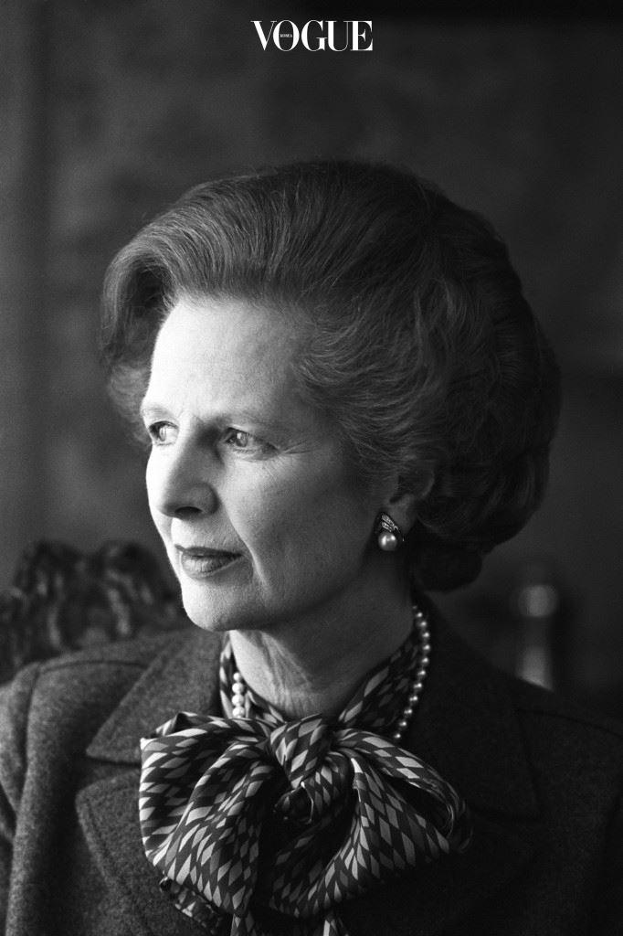 대처 전 총리는 패션을 사랑했던 정치인 중 한 명으로 기억됩니다. 2013년 87세의 나이로 타계, 그 후 2015년에는 그녀의 소장품 350점이 크리스티 경매를 통해 판매되었을 만큼 옷, 핸드백, 보석 등에 관심이 많았던 총리였지요.