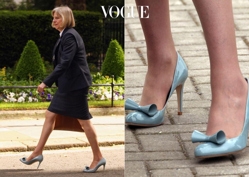 낮은 구두만 즐겨 신는 것은 아닙니다. 중요한 자리에선 7cm, 10cm 높이의 하이힐도 거뜬히 소화해내죠.