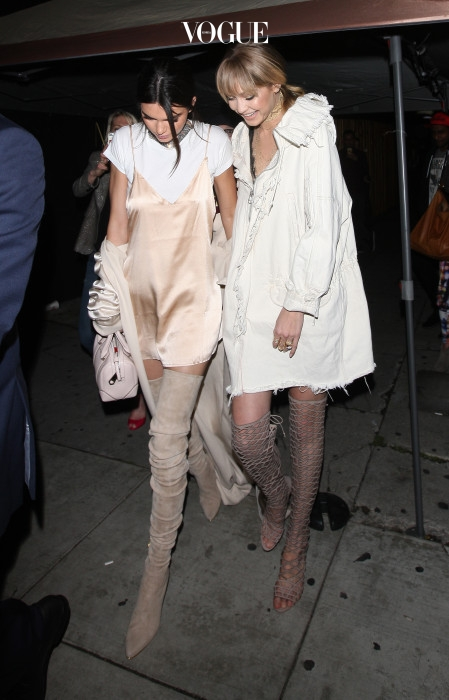 Kendall Jenner And Gigi Hadid Leave The Nice Guy Club Dressed In All White in West Hollywood Pictured: Kendall Jenner And Gigi Hadid Ref: SPL1260476  090416   Picture by: Photographer Group / Splash News Splash News and Pictures Los Angeles:310-821-2666 New York: 212-619-2666 London:870-934-2666 photodesk@splashnews.com