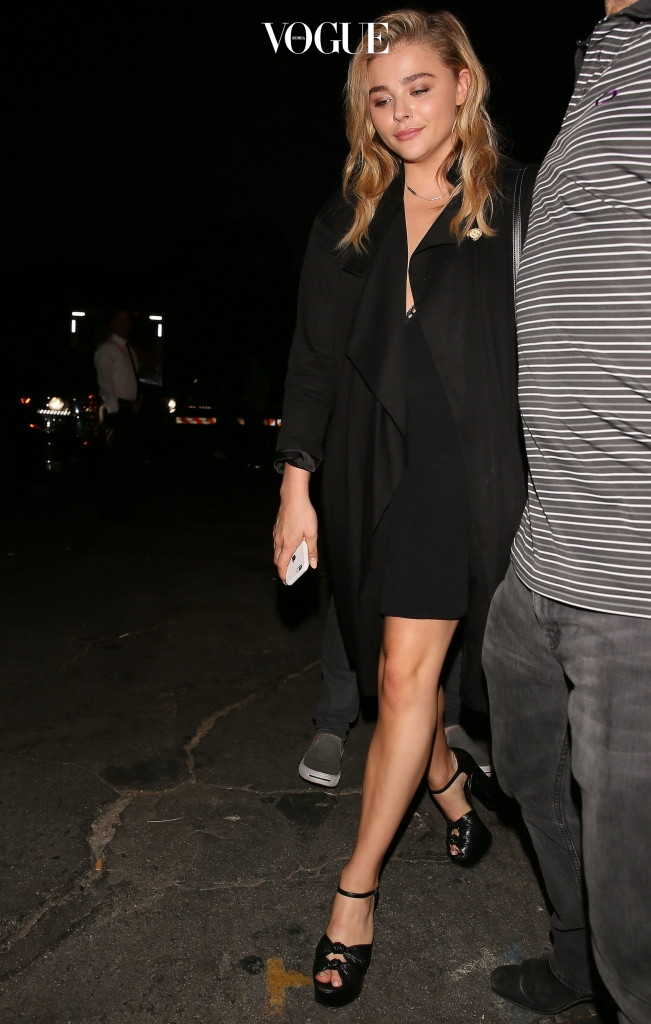 Chloe Moretz arrives to Coldplay concert in Los Angeles, California. Pictured: Chloe Moretz Ref: SPL1337061  200816   Picture by: Pap Nation / Splash News Splash News and Pictures Los Angeles:310-821-2666 New York: 212-619-2666 London:870-934-2666 photodesk@splashnews.com