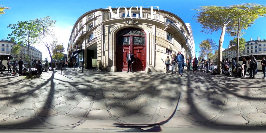 PARIS, FRANCE - OCTOBER 03:  (EDITOR'S NOTE: Image was created as an Equirectangular Panorama. Import image into a panoramic player to create an interactive 360 degree view) Media crews outside Kim Kardashian's Luxury Apartment, Hotel de Pourtales on Rue Tronchet, after being robbed at gunpoint by masked men during Paris Fashion Week Womenswear  Spring/Summer 2017 on October 3, 2016 in Paris, France.  (Photo by Ming Yeung/Getty Images)