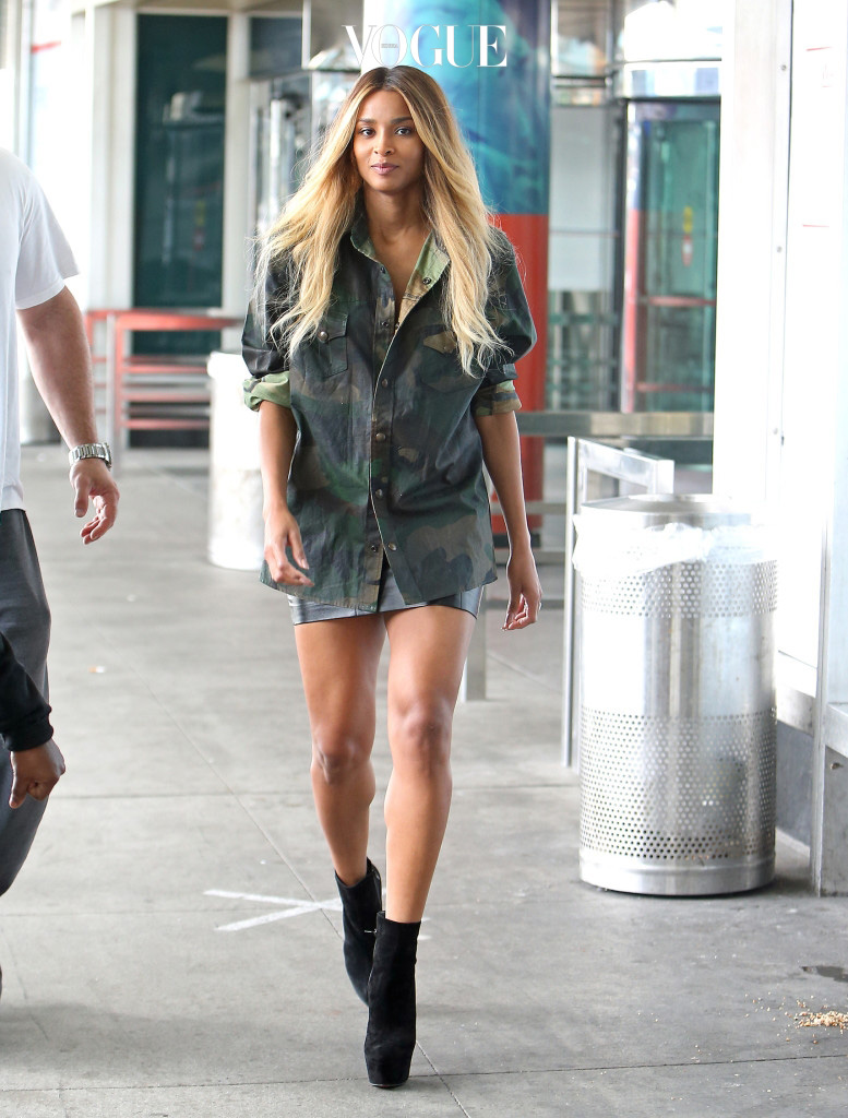EXCLUSIVE: Singer Ciara spotted arriving at LaGuardia airport in New York wearing a loose camouflage shirt after pregnancy rumors spark and showing off her long legs while walking to her SUV. Pictured: ciara  Ref: SPL1377748  201016   EXCLUSIVE Picture by: Turgeon-Winslow / Splash News Splash News and Pictures Los Angeles:310-821-2666 New York: 212-619-2666 London:870-934-2666 photodesk@splashnews.com