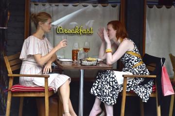Carolyn Murphy is seen having drinks at Sant Ambroeus restaurant in NYC