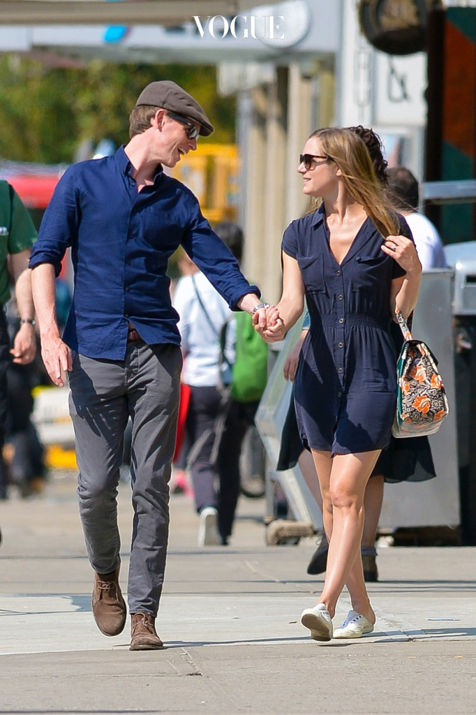 UK CLIENTS MUST CREDIT: AKM-GSI ONLY Academy Award winner Eddie Redmayne and his new wife Hannah Bagshawe hold hands in Downtown Manhattan, NY. Pictured: Eddie Redmayne and Hannah Bagshawe Ref: SPL1018399  050515   Picture by: AKM-GSI / Splash News