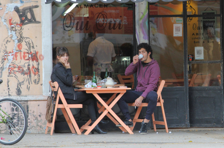 EXCLUSIVE: The pair, both actors, were spotted having breakfast at the Fui Fui restaurant in the Argentinian capital's picturesque Palermo neighbourhood on August 31st.  Pictured: Ursula Corbero with Argentinian boyfriend Chino Darin Ref: SPL1345245  020916   EXCLUSIVE Picture by: Splash News  Splash News and Pictures Los Angeles:310-821-2666 New York:212-619-2666 London:870-934-2666 photodesk@splashnews.com