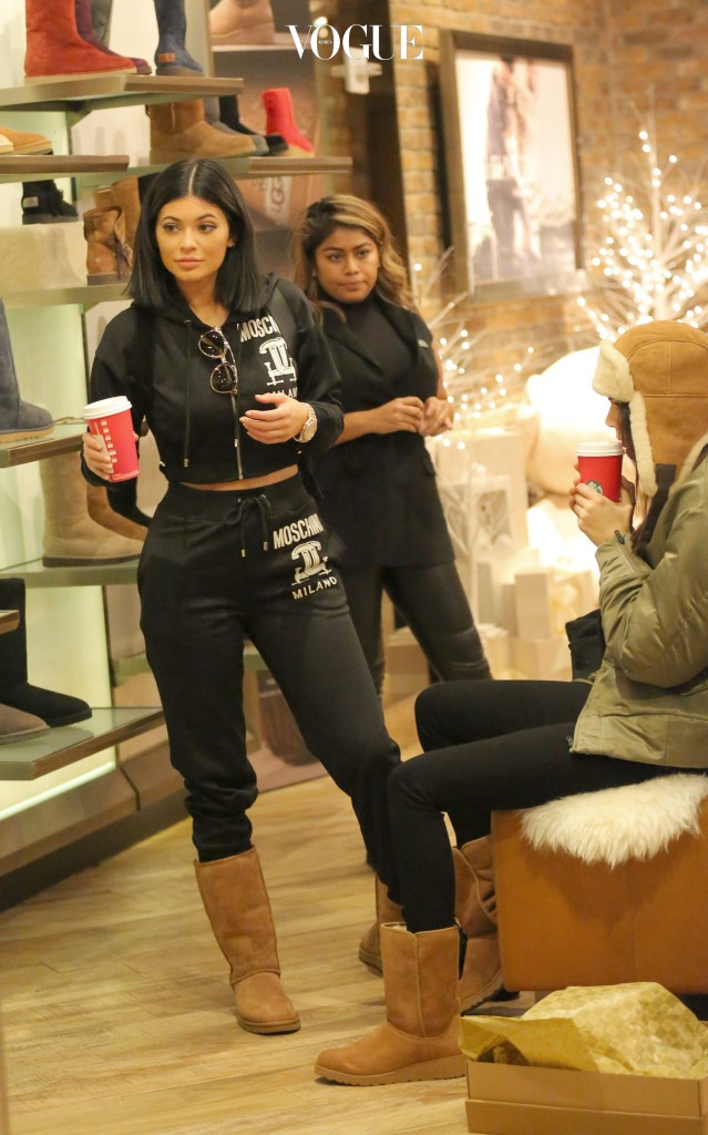 Kylie Jenner and Kendall Jenner show for hats and boots inside the UGG flagship store in New York City. Pictured: Kendall Jenner, Kylie Jenner Ref: SPL1176354  131115   Picture by: Splash News Splash News and Pictures Los Angeles:310-821-2666 New York:212-619-2666 London:870-934-2666 photodesk@splashnews.com
