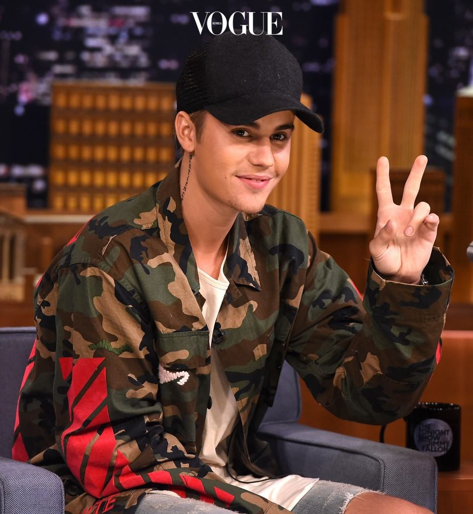 "NEW YORK, NY - SEPTEMBER 02:  Justin Bieber Visits ""The Tonight Show Starring Jimmy Fallon"" at Rockefeller Center on September 2, 2015 in New York City.  (Photo by Theo Wargo/NBC/Getty Images for ""The Tonight Show Starring Jimmy Fallon"")"