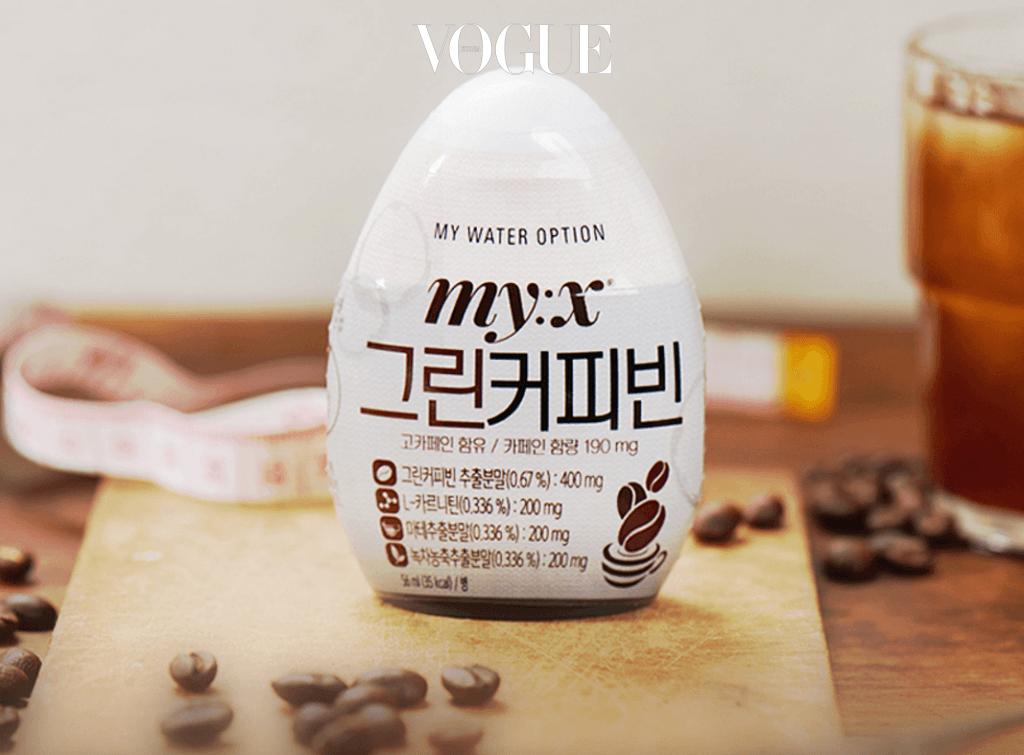물에서 커피 맛이 나네요? 국내 브랜드 '믹스(My:x)'사에서 나오는 커피 용액도 있습니다.