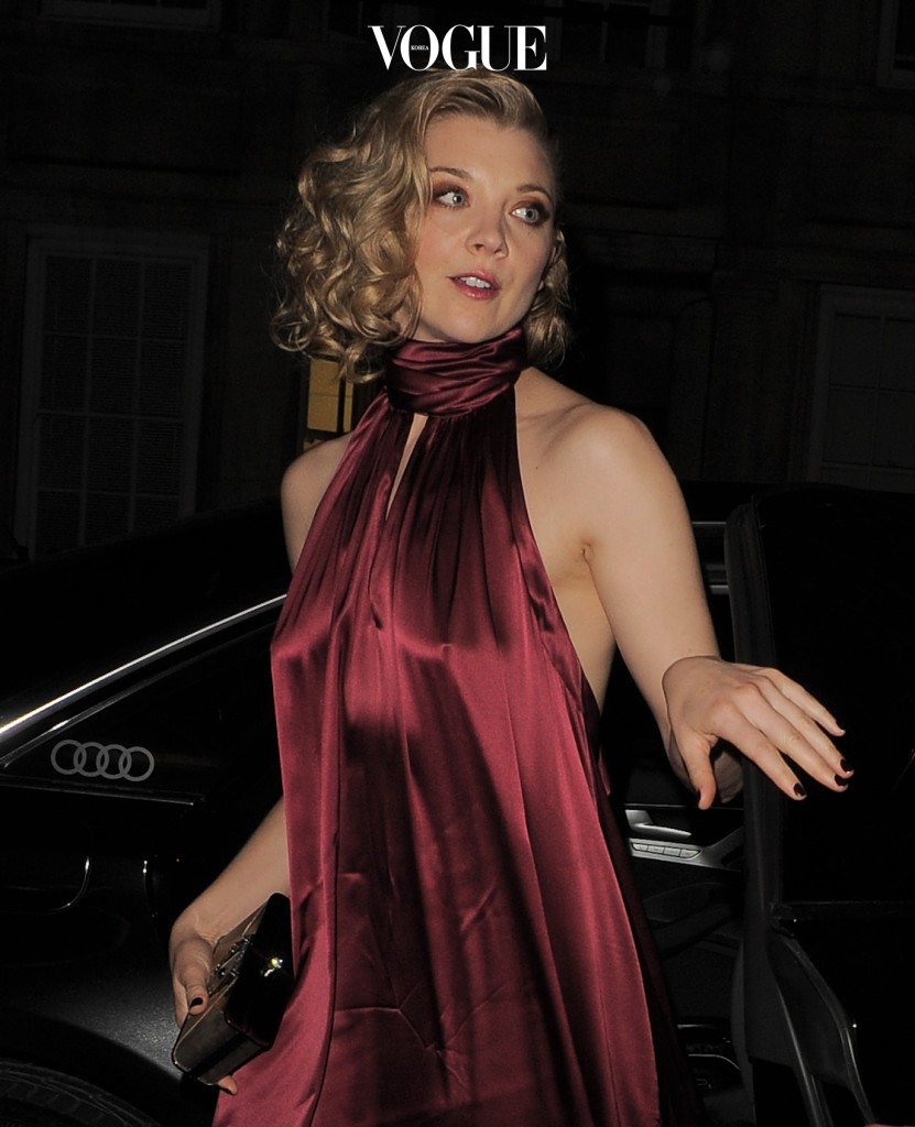 Game of Thrones actress Natalie Dormer looks stunning while arriving at Claridges London this evening on December 8th 2016 Pictured: Natalie Dormer Ref: SPL1405167  081216   Picture by: IMP Features / Splash News Splash News and Pictures Los Angeles:310-821-2666 New York:212-619-2666 London: 870-934-2666 photodesk@splashnews.com