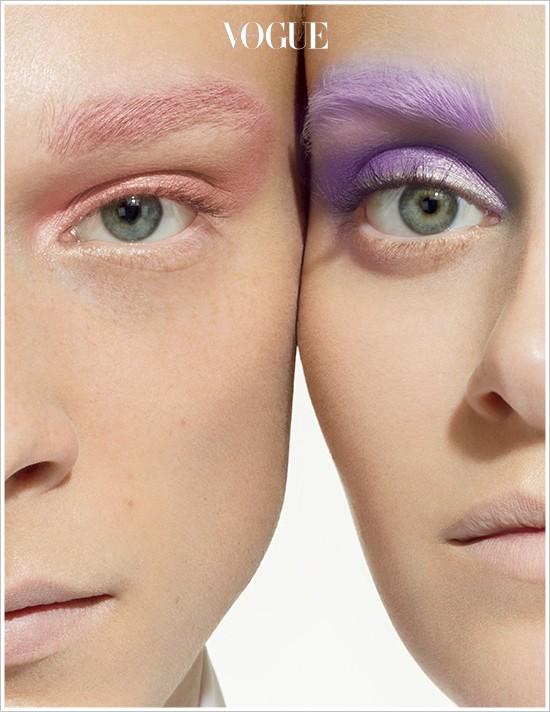또는 헤어샵에서 머리 컬러에 맞춰 밝게 염색한 후 그 위에 덧바르는 것도 좋아요. 맥의 피그먼츠 속 광고처럼 아름다운 컬러 눈썹이 단숨에 표현될 테니까.