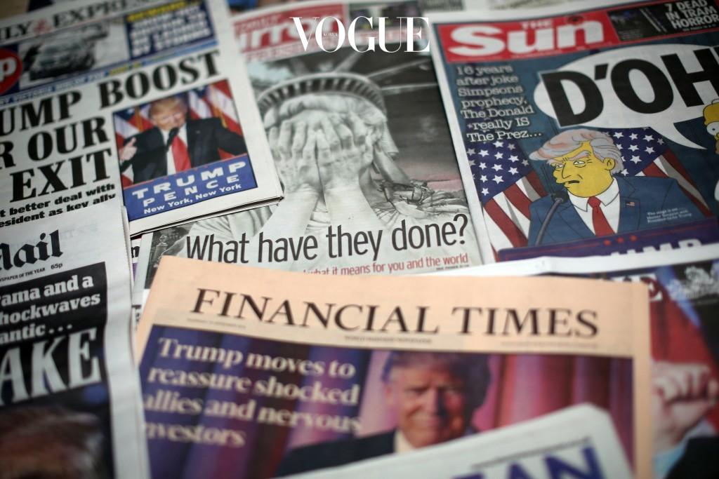 2016년 11월 9일, 제 45대 미국 대통령으로 도날드 트럼프 확정. 2017년 1월 20일, 대통령 취임식. 전세계 모든 매체가 일제히 도날드 트럼프의 새로운 행정부 출범을 호외로 다뤘던 그때, 뭔가 심상치 않은 조짐이 전세계 곳곳에서 포착됐습니다.