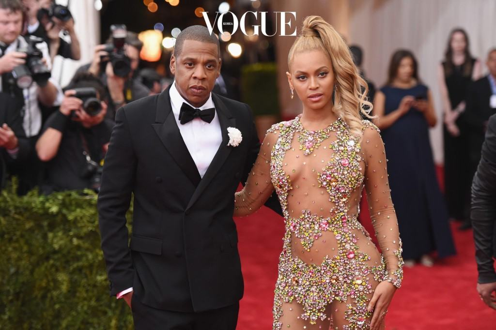 "NEW YORK, NY - MAY 04:  Jay Z (L) and Beyonce attend the ""China: Through The Looking Glass"" Costume Institute Benefit Gala at the Metropolitan Museum of Art on May 4, 2015 in New York City.  (Photo by Mike Coppola/Getty Images)"