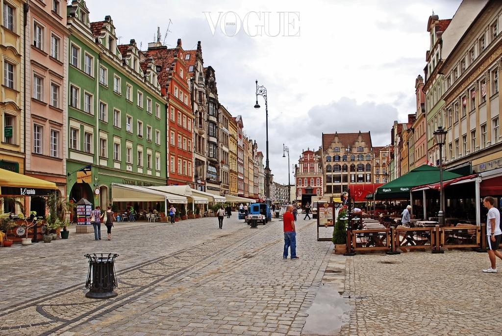브로츠와프 Wroclaw, POLAND 폴란드 바르샤바, 크라쿠프와 함께 자주 언급되는 제 3의 도시. 제 2차 세계대전이 끝나기 전까지 독일 영토였던 이곳은 바로 옆에 체코, 오스트리아, 독일이 인접해 있어 다양한 문화가 혼재해 있다. 소박하고 따뜻한 색감과 풍경으로 동유럽의 아름다움을 대변해준다.