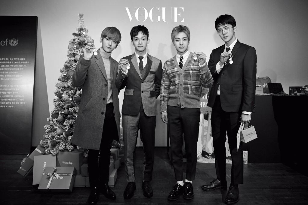 유니세프의 트리에 푸른 등불을 달기 위해 온 EXO의 백현, 첸, 시우민 그리고 세훈.