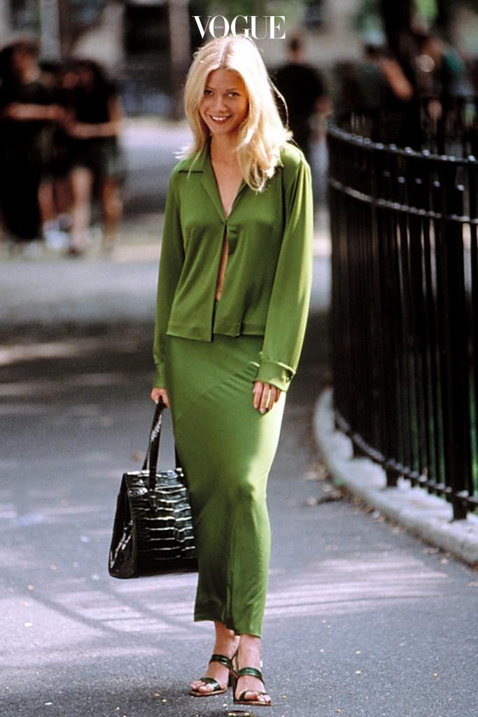 의 기네스 펠트로처럼 우아함과 아름다움은 가슴 크기와 아무 상관 없다는 것도 잊지 마시고요. Gwyneth Paltrow