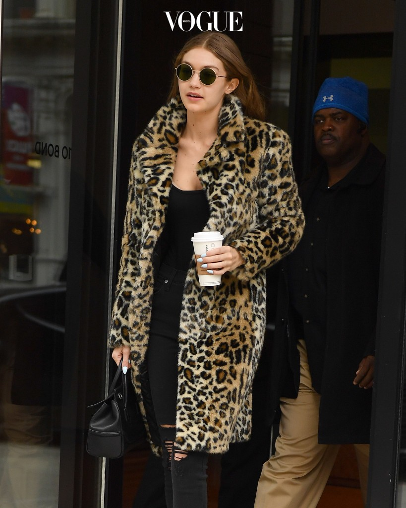 Gigi Hadid seen wearing a leopard print coat in New York City Pictured: Gigi Hadid  Ref: SPL1426225  200117   Picture by: Robert O'neil/Splash News Splash News and Pictures Los Angeles:310-821-2666 New York:212-619-2666 London:870-934-2666 photodesk@splashnews.com