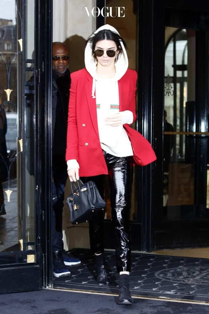 Kendall Jenner seen leaving her hotel in Paris, France. Pictured: Kendall Jenner Ref: SPL1453877  280217   Picture by: SplashNews Splash News and Pictures Los Angeles:310-821-2666 New York:212-619-2666 London:870-934-2666 photodesk@splashnews.com