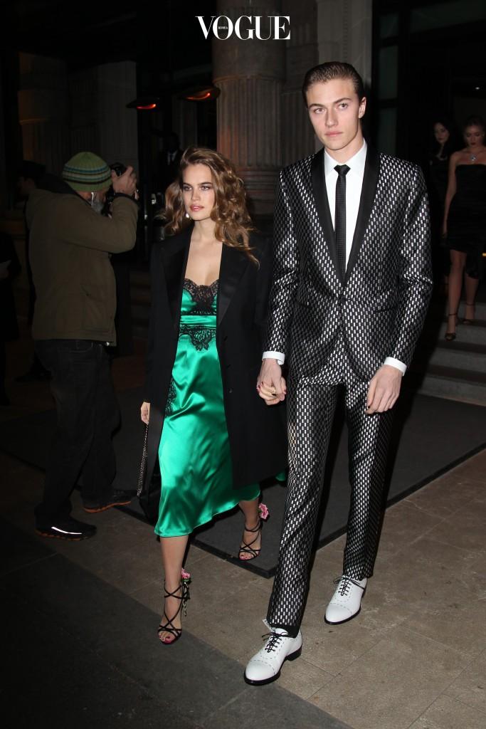 밀란 패션 위크 기간, 애프터 파티와 패션쇼장에 내내 함께 모습을 드러낸 잉꼬 커플!