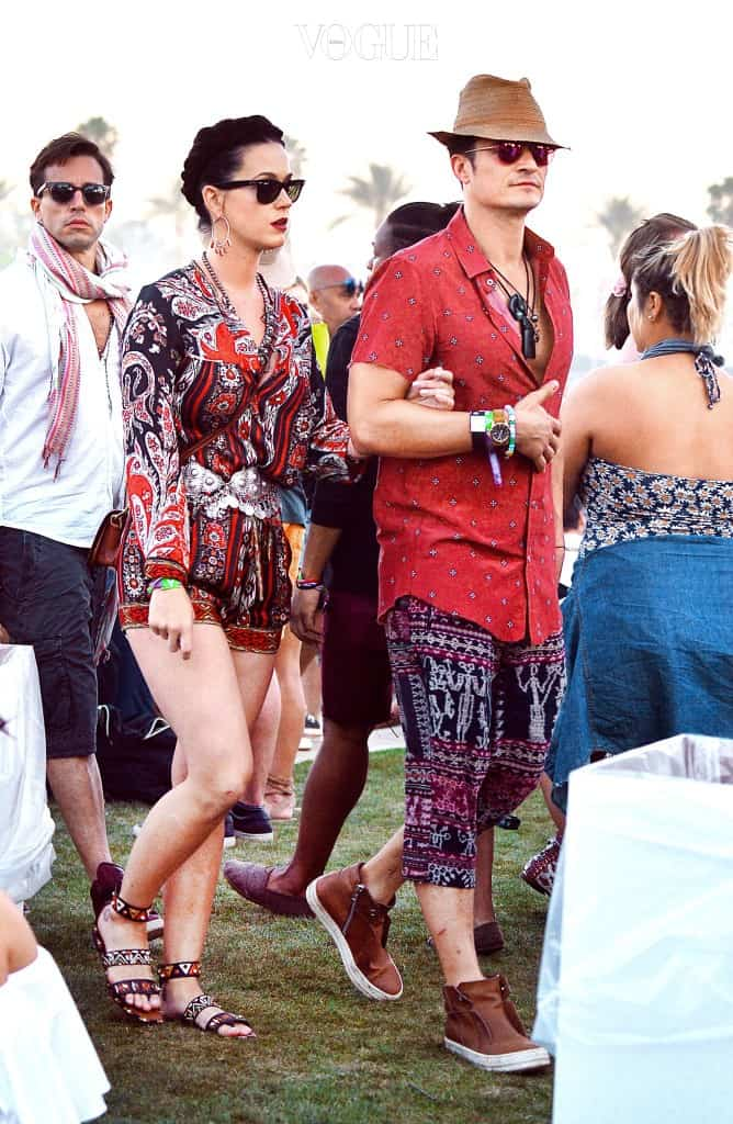 EXCLUSIVE: Orlando Bloom and girlfriend Katy Perry were spotted walking arm in arm as they enjoyed the Coachella Art and Music Festival in Indio, CA. The couple wore matching colored outfits and were seen watching Major Lazer and Diplo perform. Pictured: Katy Perry, Orlando Bloom Ref: SPL1266206  180416   EXCLUSIVE Picture by: Sharpshooter Images / Splash  Splash News and Pictures Los Angeles:310-821-2666 New York: 212-619-2666 London:870-934-2666 photodesk@splashnews.com