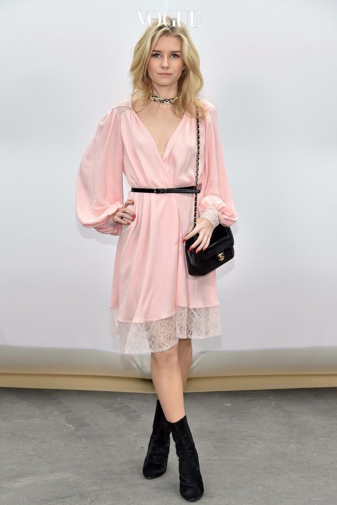 은근함이 살짝 #슬립 드레스 로티 모스 Lottie Moss