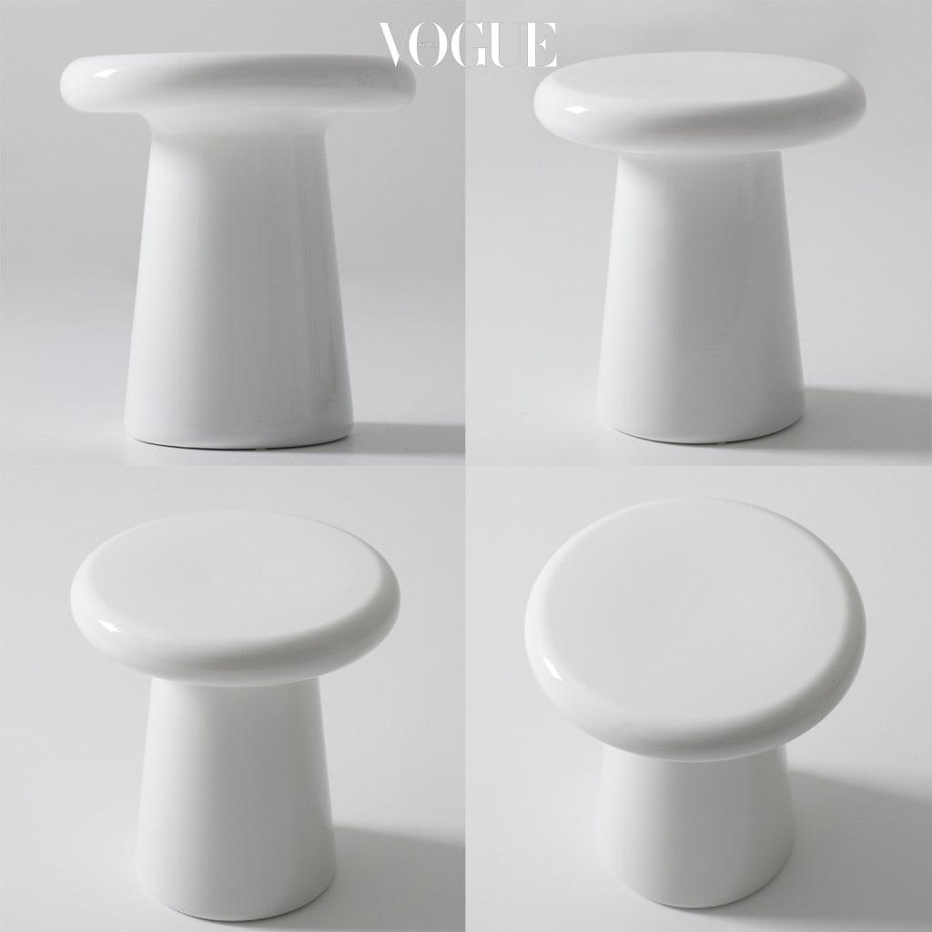 T-Table 이라는 이름처럼 'T'자 형태의 단순함을 지닌 반면 볼수록 오묘하고 궁금하며 고전적인 듯 하지만 혁신적인(?) 모습에 궁금함이 밀려온다..