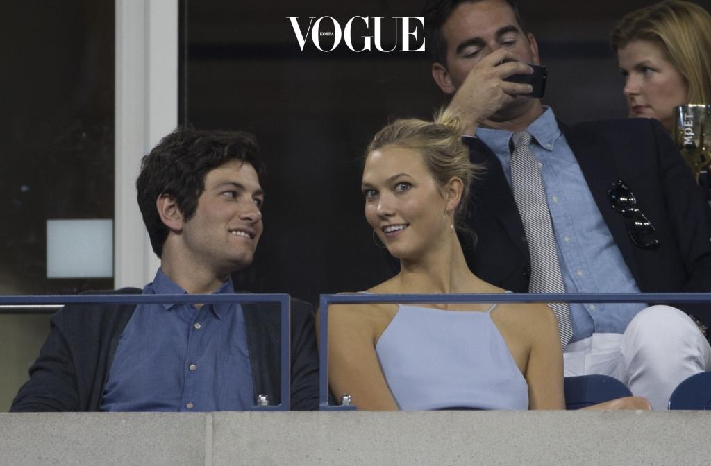 남자친구 '조슈아 쿠시너(Joshua Kushner)'는 하버드 대학교, 경영대학원을 졸업한 수재로,  투자가로 활동하고 있습니다. 그의 형 자레드 쿠시너는 미국 대통령의 딸, 이반카 트럼프와 결혼을 한 사이. 한마디로 조슈아는 트럼프 집안과 사돈인 셈이죠.
