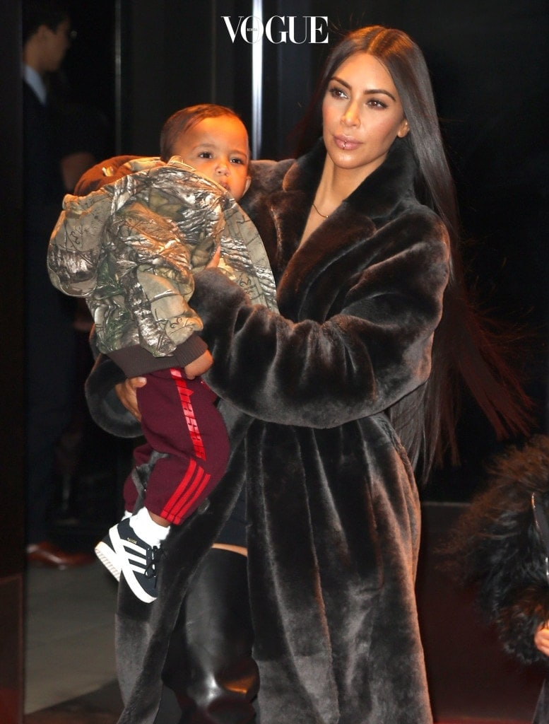 Kim Kardashian West and her kids North and Saint West out and about in New York City. Pictured: Kim Kardashian West, Saint West Ref: SPL1433071  010217   Picture by: Splash News Splash News and Pictures Los Angeles:310-821-2666 New York: 212-619-2666 London:870-934-2666 photodesk@splashnews.com