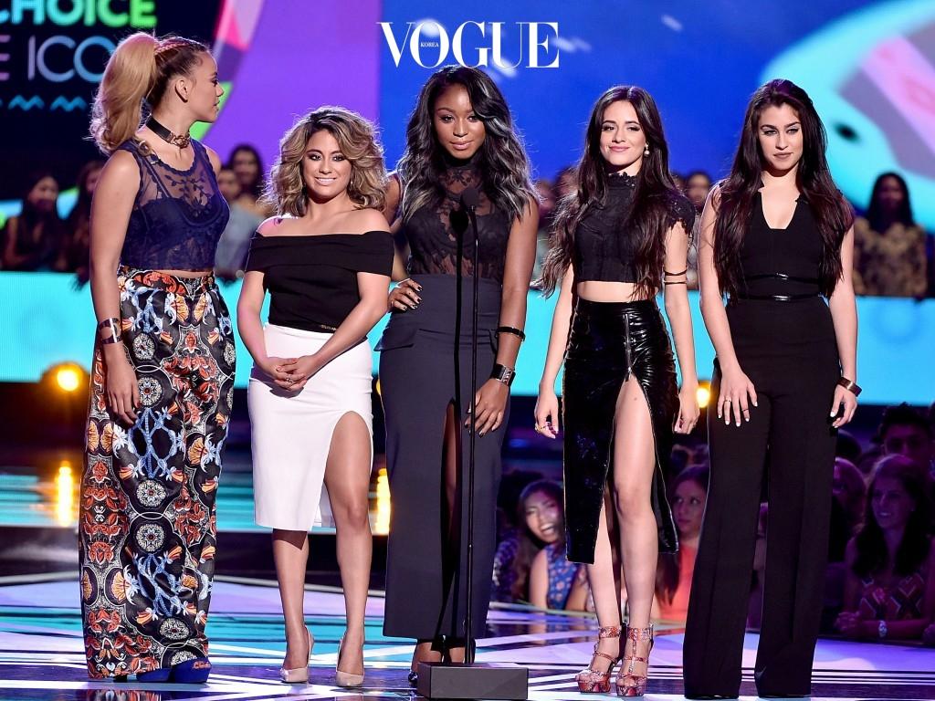 그렇습니다. 카밀라는 2012년부터 4년 반 동안 걸 그룹 피프스 하모니(Fifth Harmony)의 멤버로 활동한 꽤 연차 있는 가수죠.