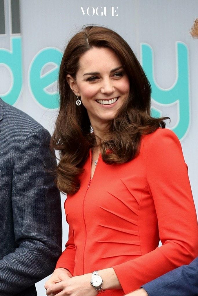 혹시 한 명의 뮤즈를 선정해 그녀의 여러 스타일을 두루두루 참고하고 싶다면? 격식 있는 스타일의 대가, 영국의 왕세손비 케이트 미들턴(Catherine, Duchess of Cambridge)을 소환해봅시다.