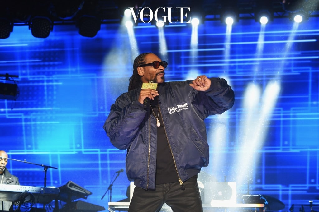 NEW YORK, NY - MAY 03:  Snoop Dog performs onstage at the AOL NewFront 2016 at Seaport District NYC on May 3, 2016 in New York City.  (Photo by Jamie McCarthy/Getty Images for AOL)