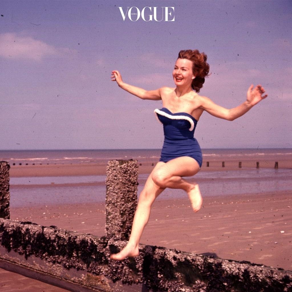 어떤가요, 펄쩍 뛸 정도로 다채로운 수영복 스타일에 놀라셨나요?