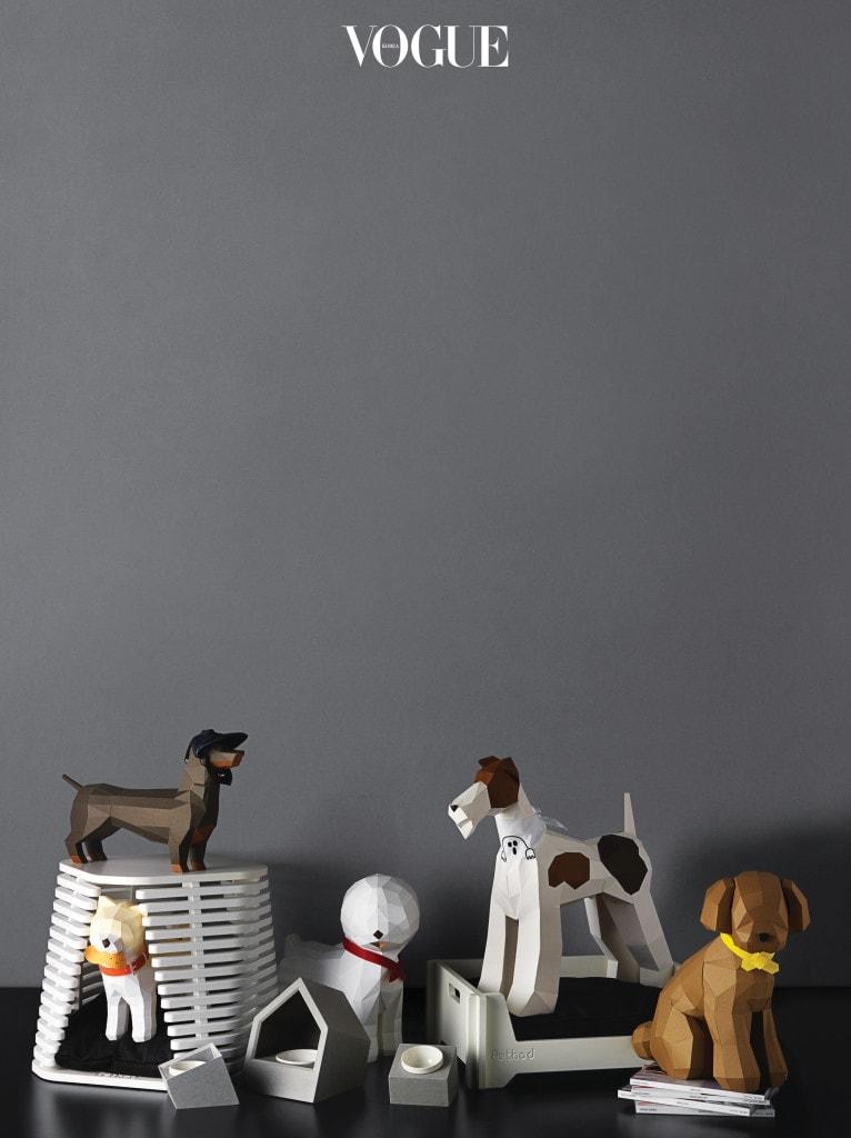 반려동물 집과 침대는 펫소드(Pethod), 식기는 은기호(Eunkiho), 스냅백은 다솜(Dasom), 유령 스카프는 우프바이베럴즈(Wooof by Betters).