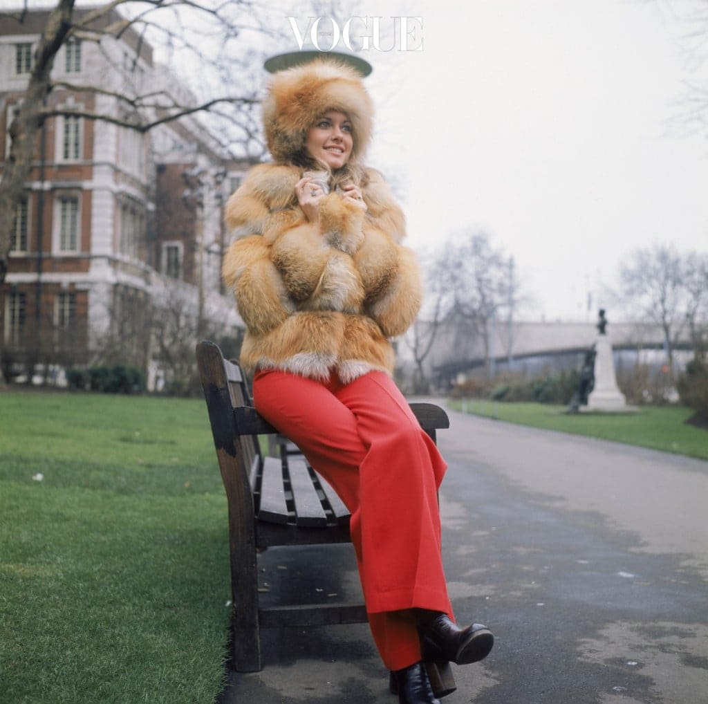 Australian pop singer Olivia Newton-John wearing a heavy fur coat outside the Savoy Hotel in London, circa 1973. (Photo by Keystone/Hulton Archive/Getty Images)