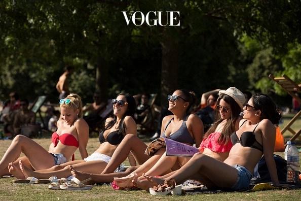 가만히 있어도 온몸이 녹아내릴 것만 같은 계절. 선글라스를 쓰고 옷차림도 점점 무게를 덜어가건만 여전히 보호받지 못한 가여운 존재가 있죠.