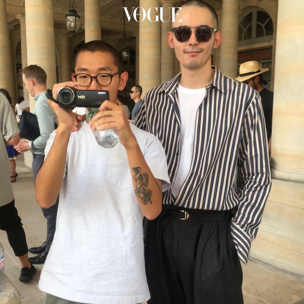 pAris day 3.  쇼장 앞에서 우연히 만난 사진가 김희준.