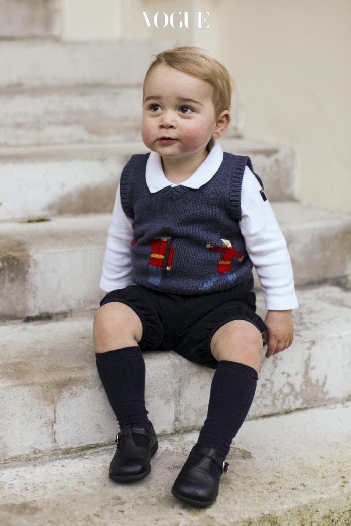 과연 '조지 왕자를 이을 귀염둥이' 왕자 답습니다.