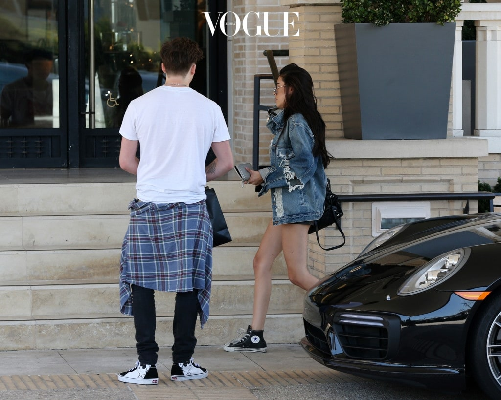 Brooklyn Beckham and Madison Beer shopping together at Barneys of New York. Pictured: Brooklyn Beckham and Madison Beer  Ref: SPL1542660  210717   Picture by: Clint Brewer / Splash News Splash News and Pictures Los Angeles:310-821-2666 New York:212-619-2666 London:870-934-2666 photodesk@splashnews.com