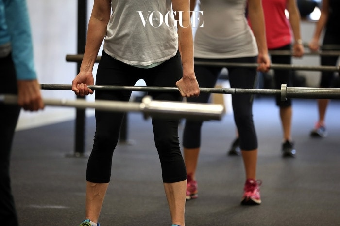 Q. 격렬한 운동 시 월경컵이 깊숙이 들어갈 수도 있나요? A. 이미 고정된 월경컵은 공기를 뺄 때까지 움직이지 않습니다. 혹시 불안하다면 운동용 월경컵이나, 사용하던 것보다 단단한 강도의 월경컵을 사용하세요.