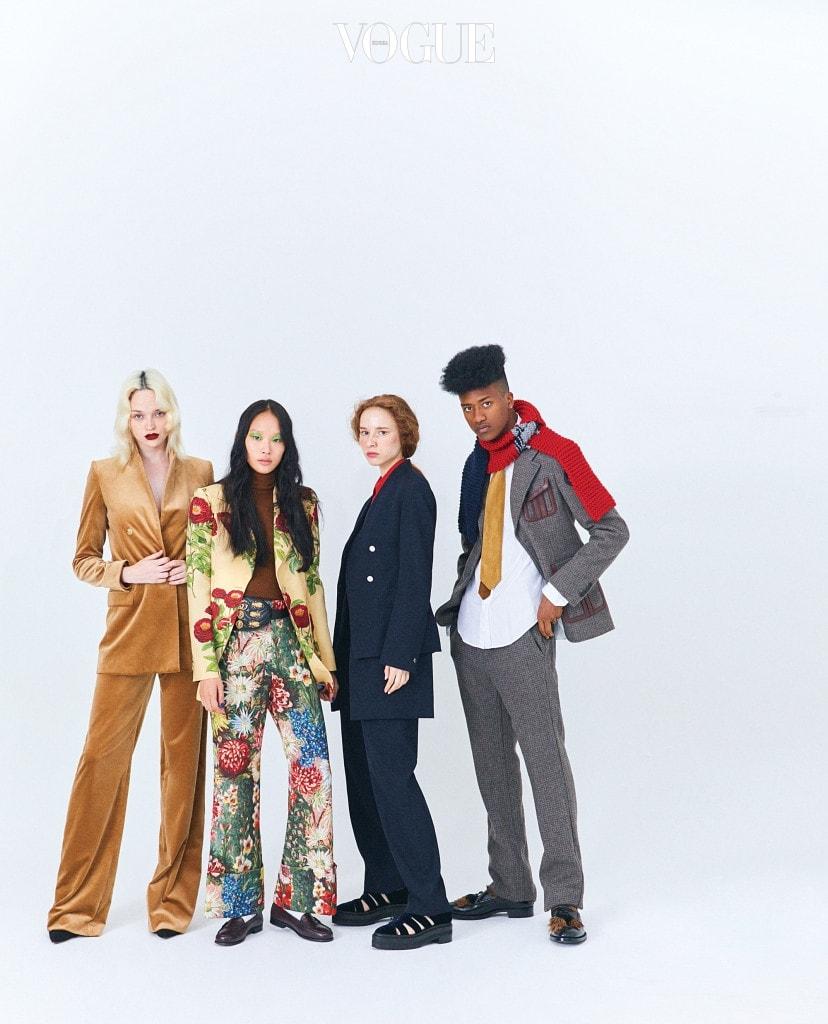 SMARTEN UP (왼쪽부터)벨벳 더블 브레스티드 팬츠 수트는 막스마라(Max Mara), 스웨이드 힐은 디올(Dior). 갈색 터틀넥은 막스마라, 꽃무늬 수트와 벨트 백은 구찌(Gucci), 갈색 로퍼는 유니페어(Unipair). 빨간 실크 블라우스와 스리피스 수트, 벨벳 샌들은 에르메스(Hermès). 남자 모델의 룩과 신발은 프라다(Prada).