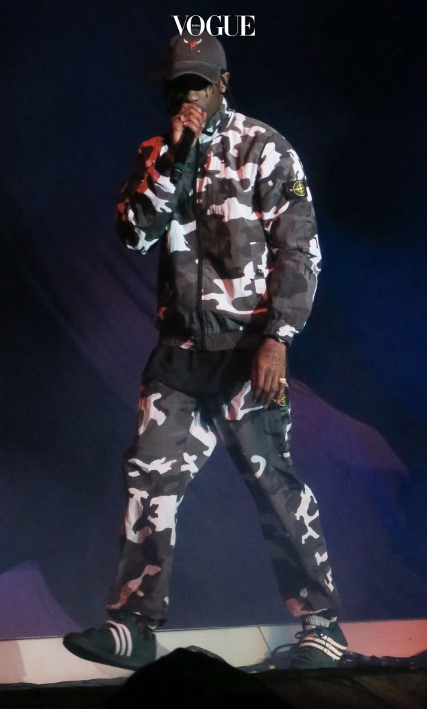 Travis Scott performs a strong opening set before Rihanna on the Anti World Tour at the Forum in Los Angeles, CA Pictured: Travis Scott Ref: SPL1275571  030516   Picture by: Ronin 47/London Entertainment Splash News and Pictures Los Angeles:310-821-2666 New York: 212-619-2666 London:870-934-2666 photodesk@splashnews.com