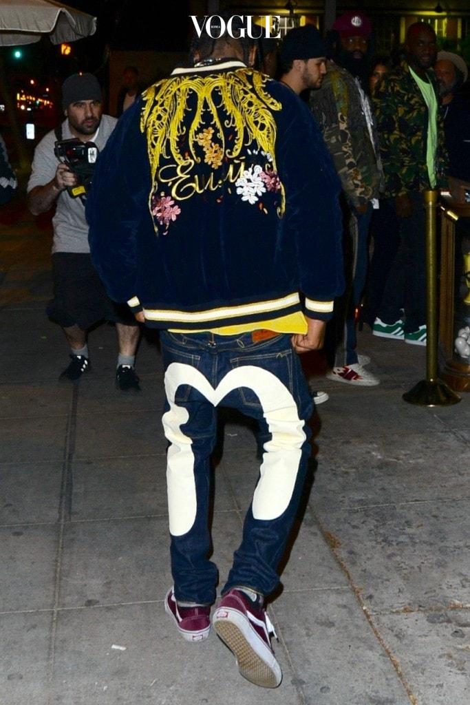 Travis Scott arrives at Catch Restaurant for Kendall Jenner's 21st birthday party in Los Angeles, California. Pictured: Travis Scott Ref: SPL1386480  031116   Picture by: Aficionado Group  / Splash News Splash News and Pictures Los Angeles:310-821-2666 New York: 212-619-2666 London:870-934-2666 photodesk@splashnews.com