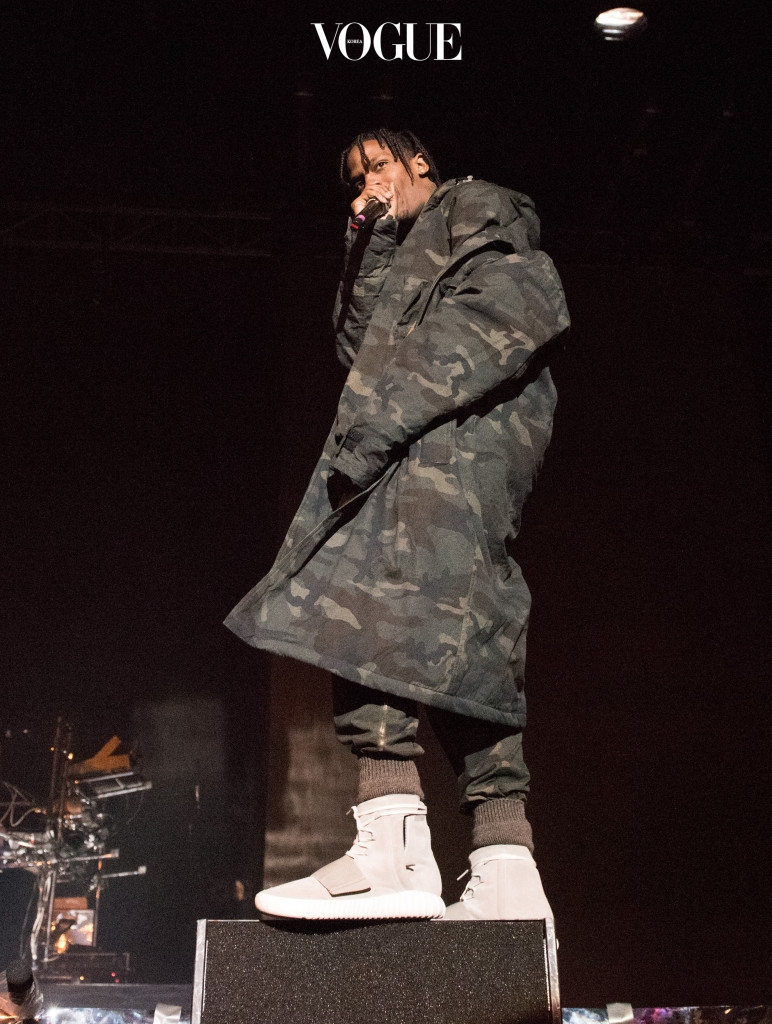 NEW YORK, NY - FEBRUARY 12:  Hip-hop artist Travis Scott performss at Roc city classic: Flatiron District on February 12, 2015 in New York City.  (Photo by Dave Kotinsky/Getty Images)