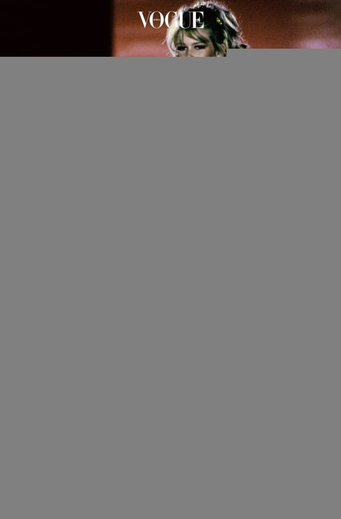 VERSACE-FALL-1992-RTW-57-CLAUDIA-SCHIFFER