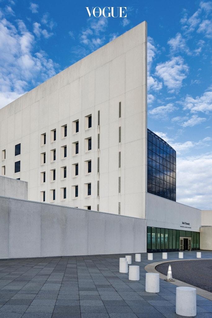 1979년에 지어진 보스턴의 존 F. 케네디 대통령 도서관과 박물관(John F. Kennedy Presidential Library and Museum).