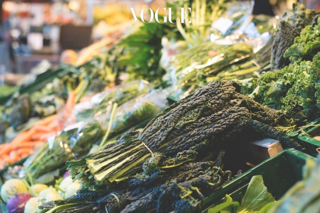 비타민과 미네랄을 많이 섭취하는 경우 역시 갈색 지방을 활성화시킬 수 있습니다. 시금치, 샐러리, 케일, 상추, 브로콜리 등 푸른 녹색잎 채소를 가까이 하면 좋겠죠?