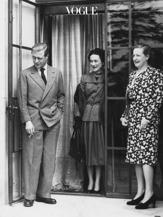 The Duke and Duchess of Windsor, with Mrs Frank Parkinson (centre) at Charters, Sunninghill, England, May 16th 1947. (Photo by Reg Burkett/Keystone/Getty Images)
