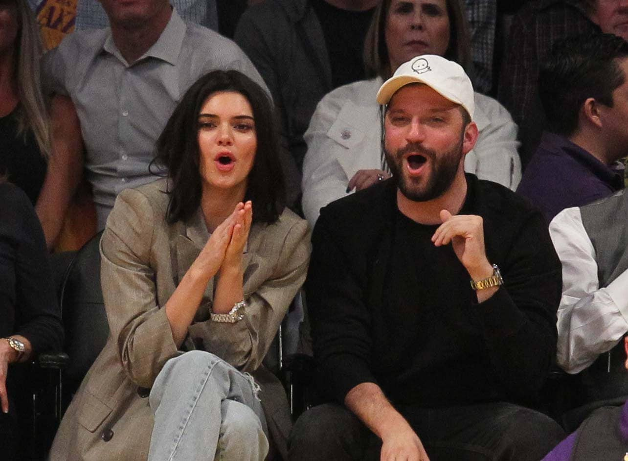 Kendall Jenner comes out to watch Blake Griffin at the Lakers game in LA.  Pictured: Kendall Jenner Ref: SPL1599477  191017   Picture by: London Ent / Splash News  Splash News and Pictures Los Angeles:	310-821-2666 New York:	212-619-2666 London:	870-934-2666 photodesk@splashnews.com