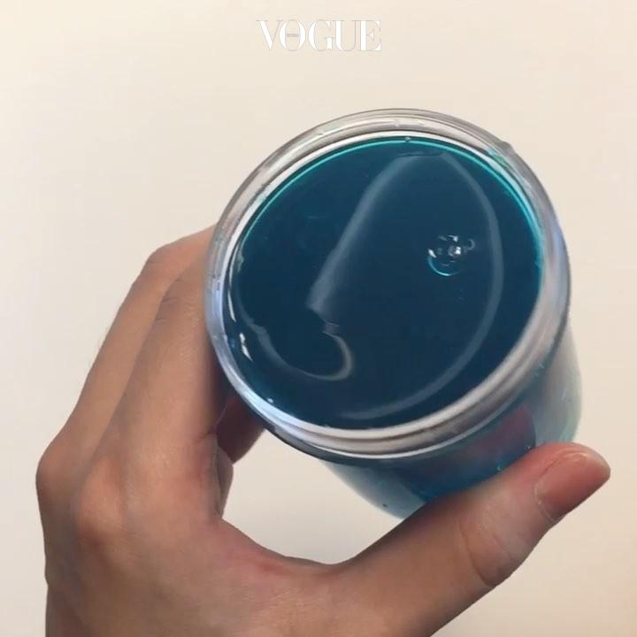 #3 슬라임 일명 '액체괴물'이라 불리던 장난감의 어른 버전. '끈적끈적한 물질, 점액'이라는 뜻을 지닌 '슬라임(Slime)'에서 알 수 있듯 몰캉몰캉하고 찐득찐득한 색색의 물풀 반죽 덩어리가 주인공. @dlwlrma