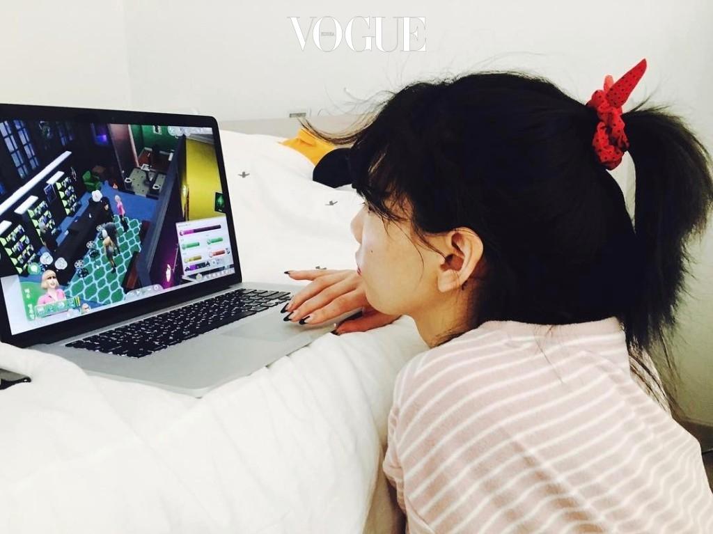 # 게임 휴대폰, 컴퓨터 게임부터 보다 전문적인 기계를 활용해 스트레스를 해소. @taeyeon_ss
